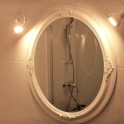 Vannas istaba/Spogulis